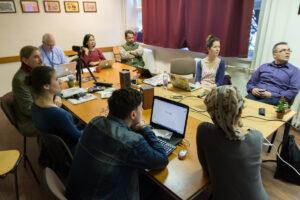 Dr. David Blundell, a tajvani Chengchi Egyetem professzora tartott nálunk 5 héten keresztül heti két alkalommal egy intenzív kurzust a Vizuális antropológia és a buddhizmus címmel. A kurzus végén a hallgatók bemutatták projektmunkáikat, melyekből a későbbiekben egy kiállítást is fogunk szervezni.