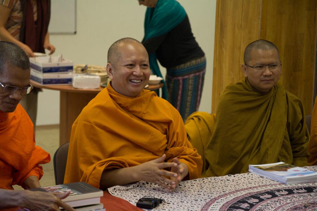 A Tiszteletreméltó Professzor Dr. Phra Brahmapundit a thaiföldi Mahachulalongkornrajavidyalaya Egyetem (MCU) rektora és delegációja találkozott a Tan Kapuja Buddhista Egyház képviselőivel